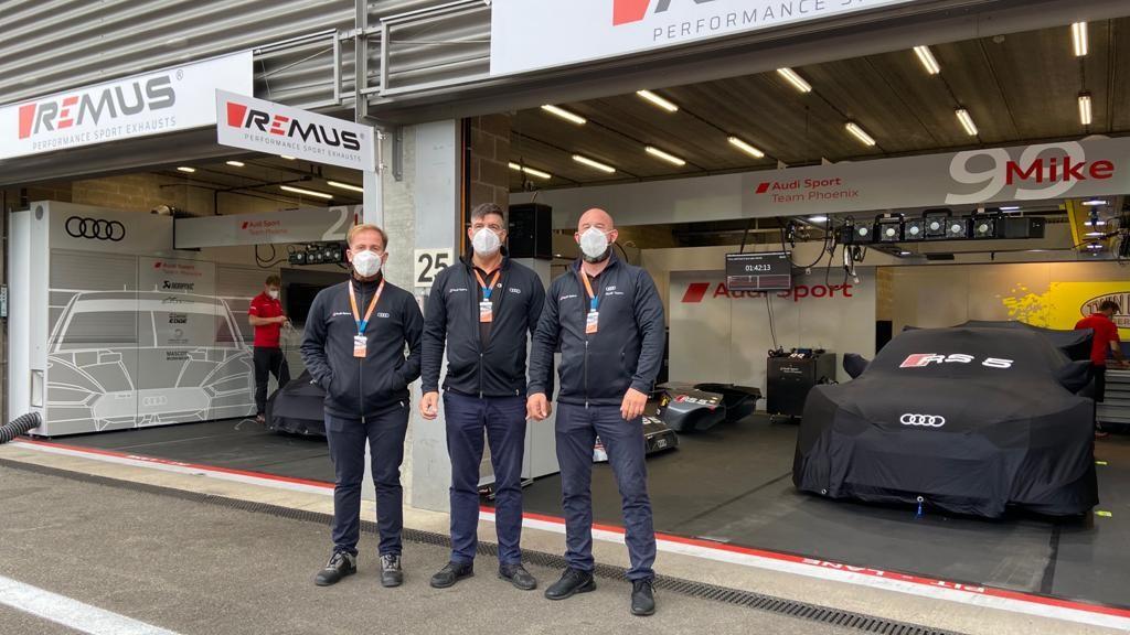 RAD Team in der DTM Boxengasse